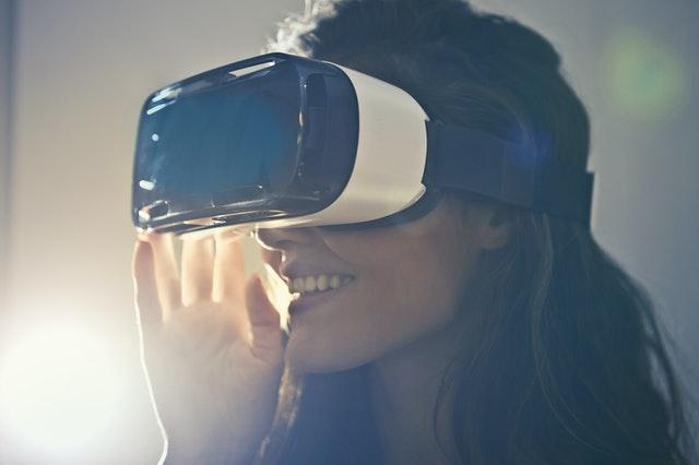 Qué es y cuales son las funciones de la realidad virtual